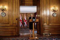 dpatopbilder - 21.09.2018, Großbritannien, London: Theresa May, Premierministerin von Großbritannien, spricht nach dem informellen EU-Gipfel in Salzburg, in der Downing Street. Einen Tag nach dem von Konfrontation geprägten EU-Gipfel in Salzburg hat die britische Premierministerin Theresa May von Brüssel neue Brexit-Vorschläge gefordert. Foto: Jack Taylor/Pool Getty Images/PA Wire/dpa +++ dpa-Bildfunk +++