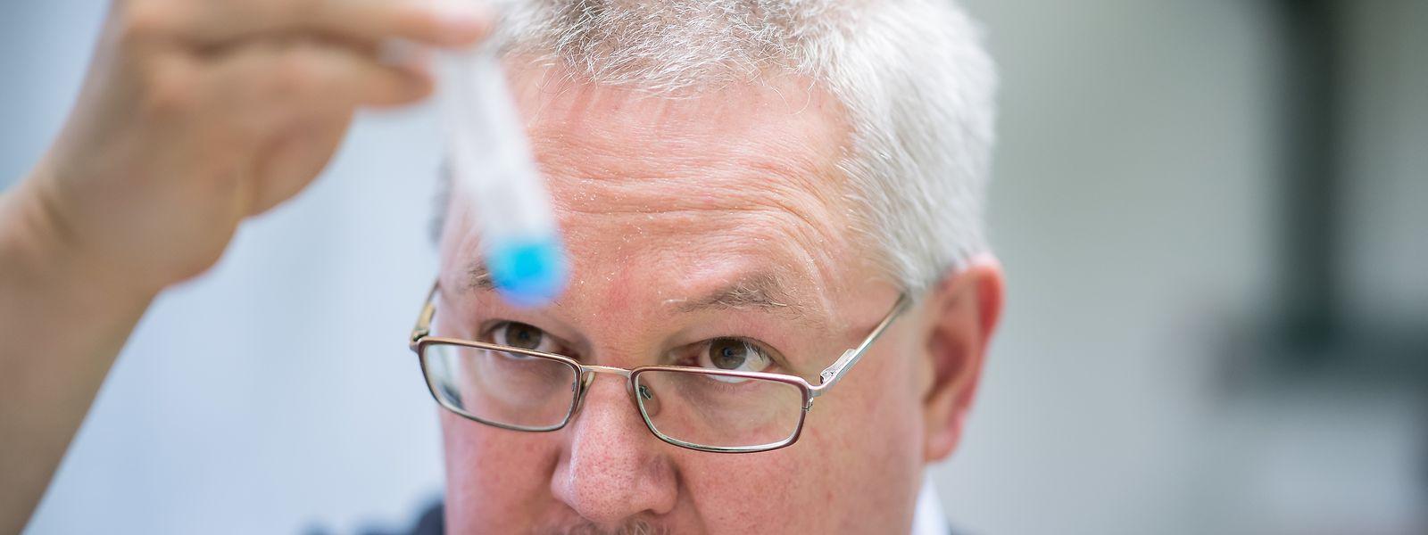 Thorsten Marquardt, Facharzt für Kinder- und Jugendmedizin an der Universitätsklinik in Münster, betreut einen Patienten, der als einer von drei Menschen auf der Welt immun gegen Rizin ist.