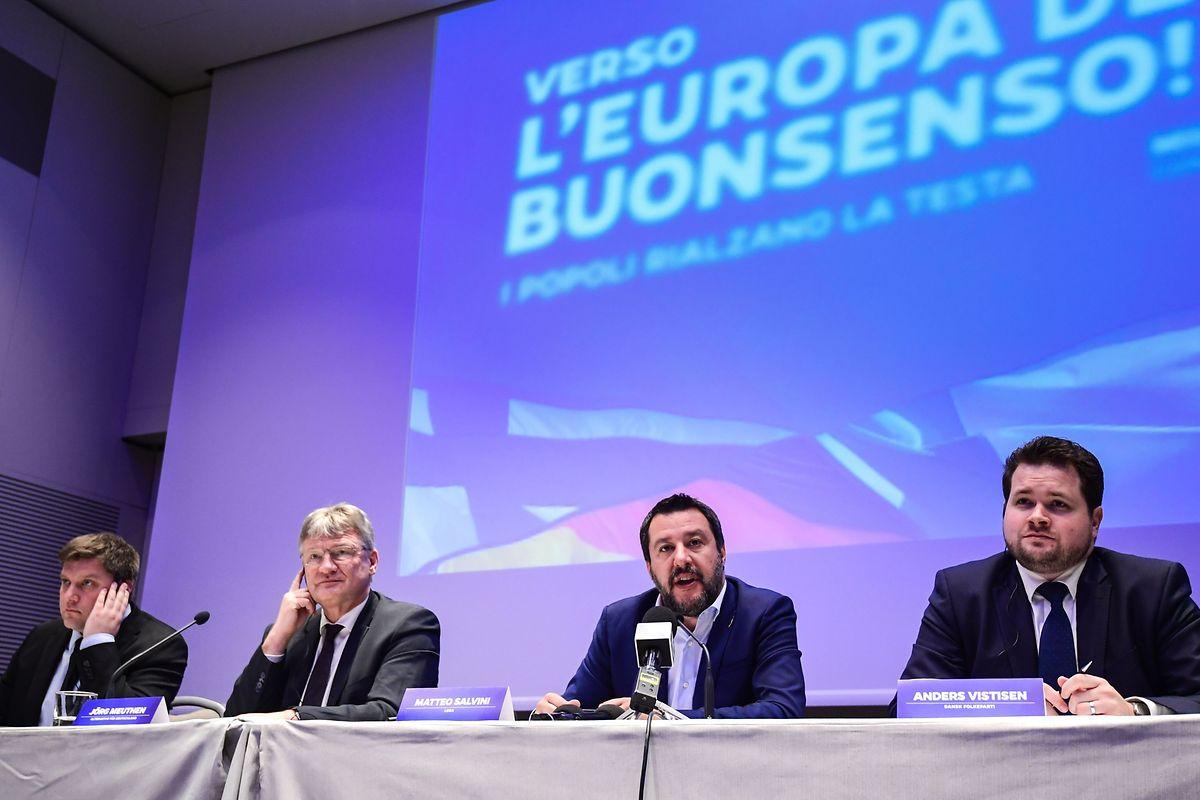 Ein Zusammenschluss rechter Parteien soll es ihnen leichter machen, ihrer Stimme im neuen EU-Parlament Gehör zu verschaffen.