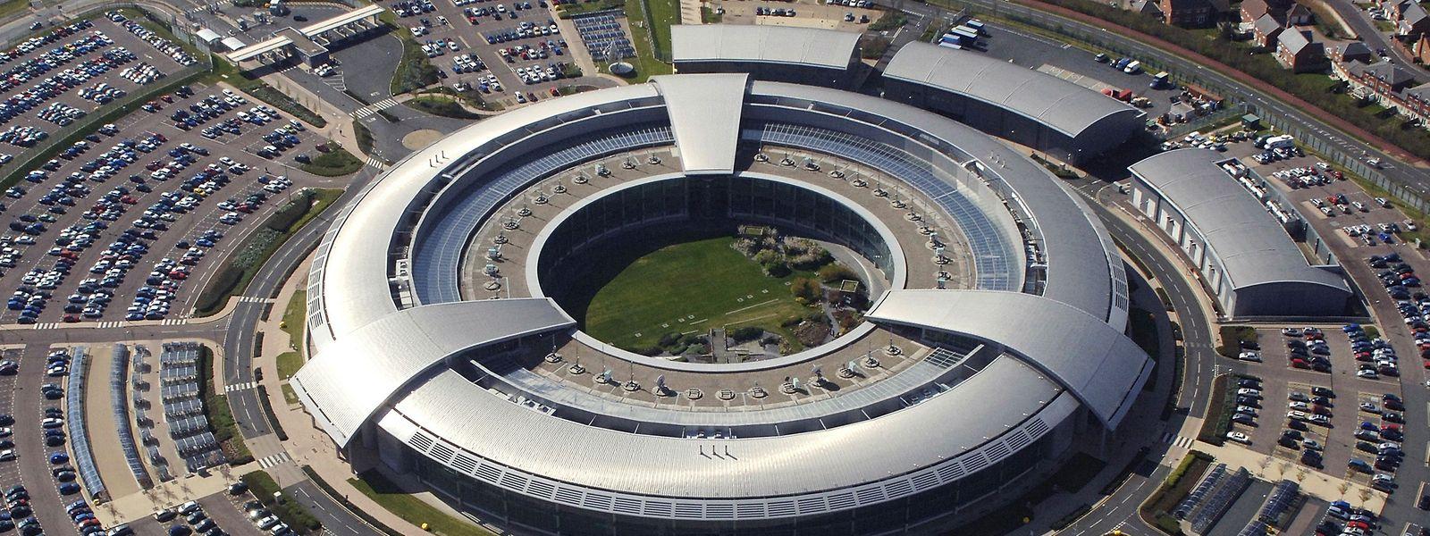 """In diesem futuristischen Gebäude im britischen Cheltenham ist der Geheimdienst """"Government Communications Headquarters"""" (GCHQ) untergebracht."""