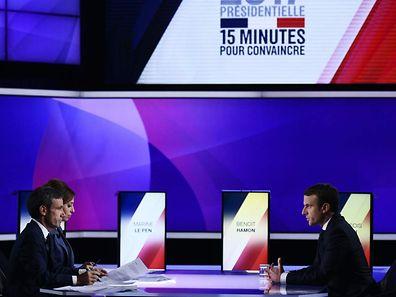 Emmanuel Macron a été le premier en mesure de réagir hier soir sur le plateau à l'attentat des Champs-Elysées