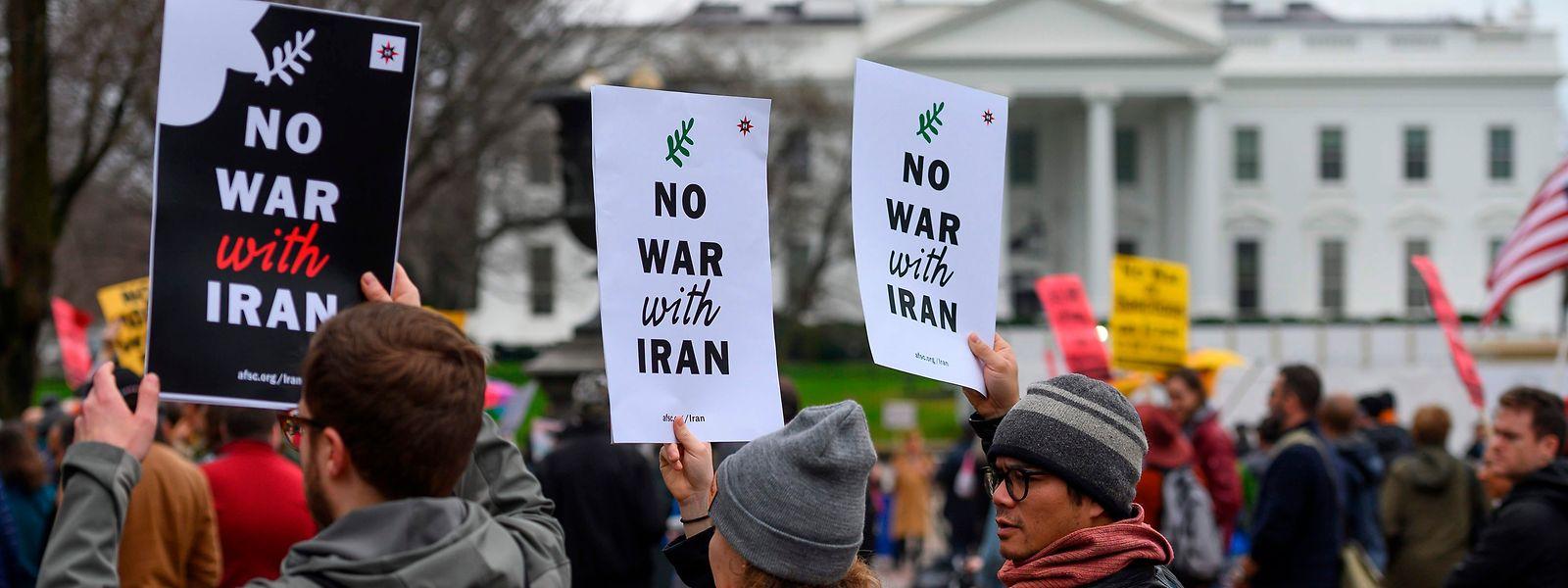Auch vor dem Weißen Haus gingen Menschen gegen den Krieg auf die Straßen.