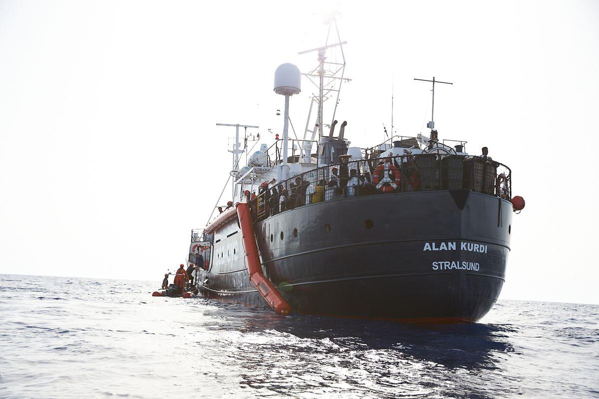 """Die """"Alan Kurdi"""" ist ein deutsches Schiff - und damit deutsches Territorium. Das Dubliner Ankommen ist für die Mittlemeerroute unbrauchbar."""