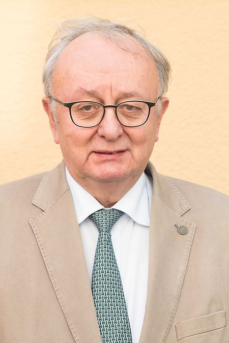 Henri Frank hatte sich nach den Wahlen aus der Politik zurückgezogen.
