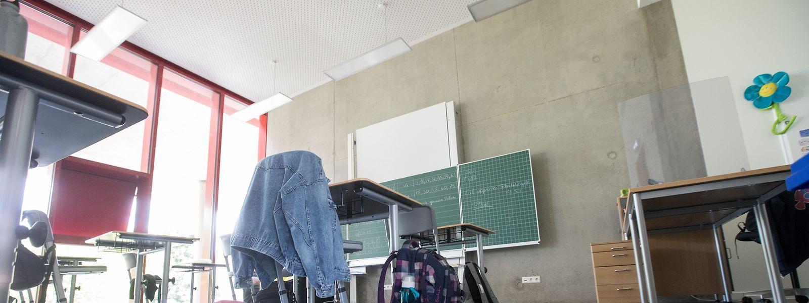 In den Grund- und Sekundarschulen fehlt es coronabedingt an Schulpersonal.
