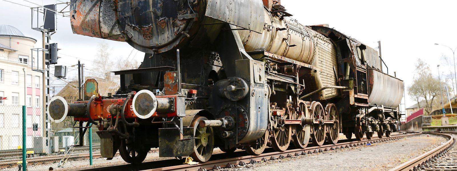 Seit Kurzem steht diese Lok im Petinger Bahnhof auf den Train-1900-Gleisen und wartet auf ihren Abtransport.