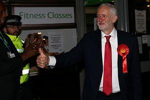 Unerwartet obenauf: Labour-Chef Jeremy Corbyn am Abend nach der Wahl.