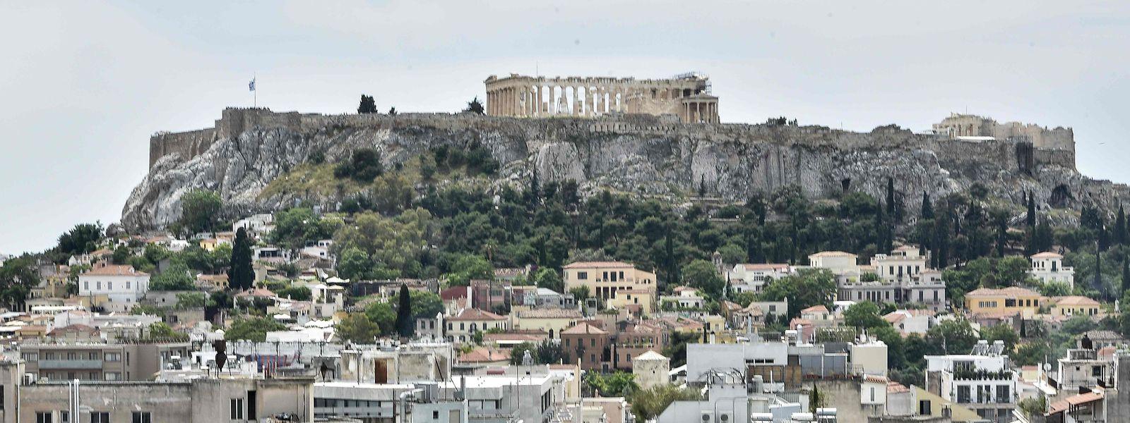 A Grécia, o país berço da democracia, vive uma crise de confiança, a par com Portugal, Espanha, França e Itália.