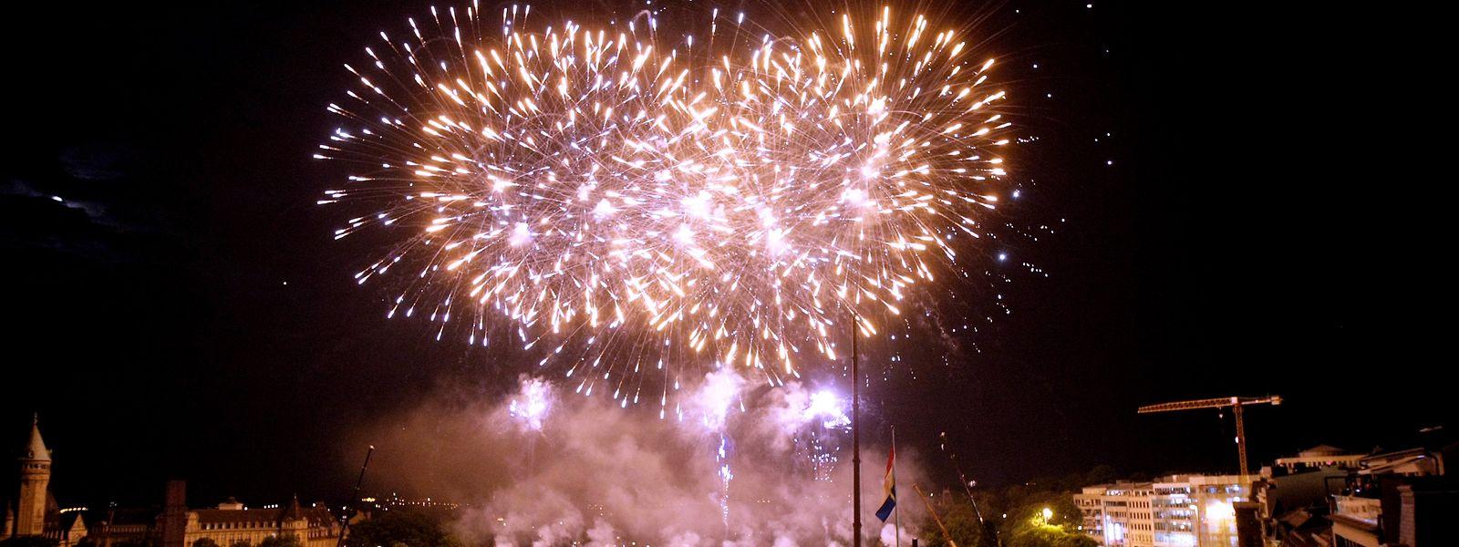 23.06.10 Nationalfeiertag,Fete nationale,Feuerwerk, feu d artifice.Foto:Gerry Huberty