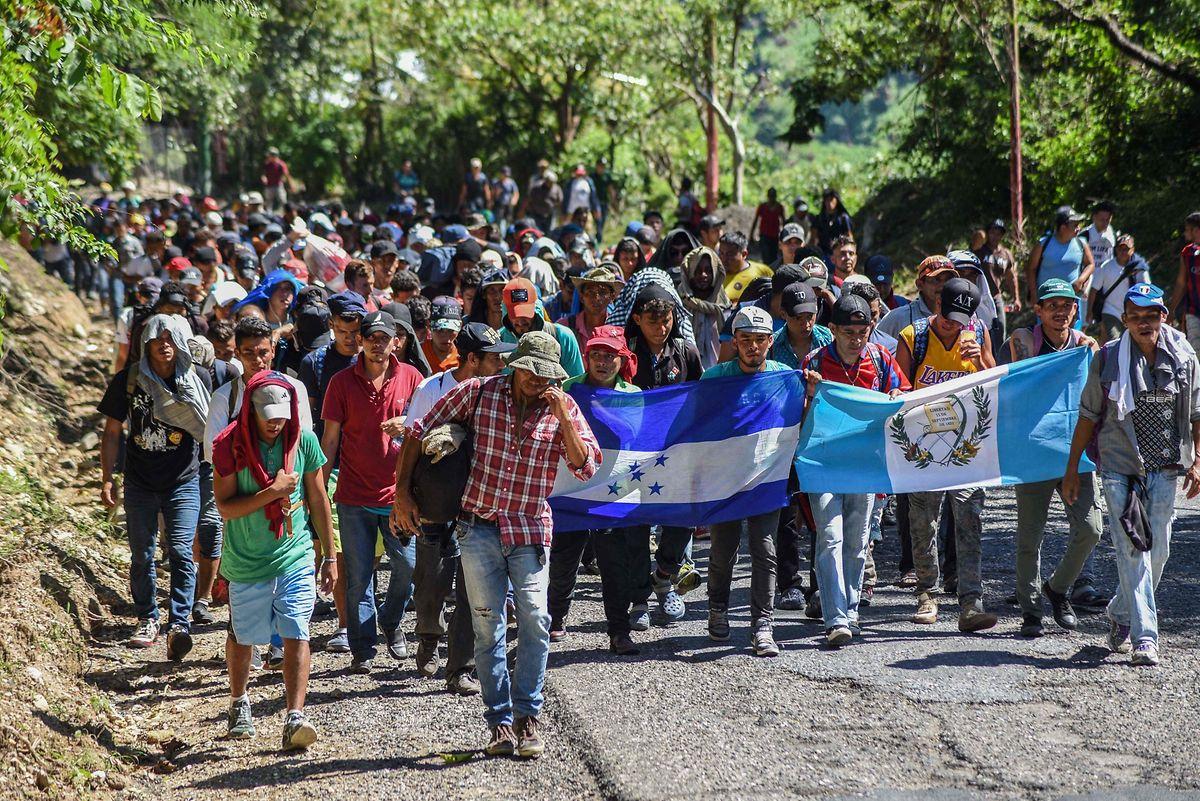 Karawane honduranischer Migranten auf dem Weg nach Huixtla/Mexiko.