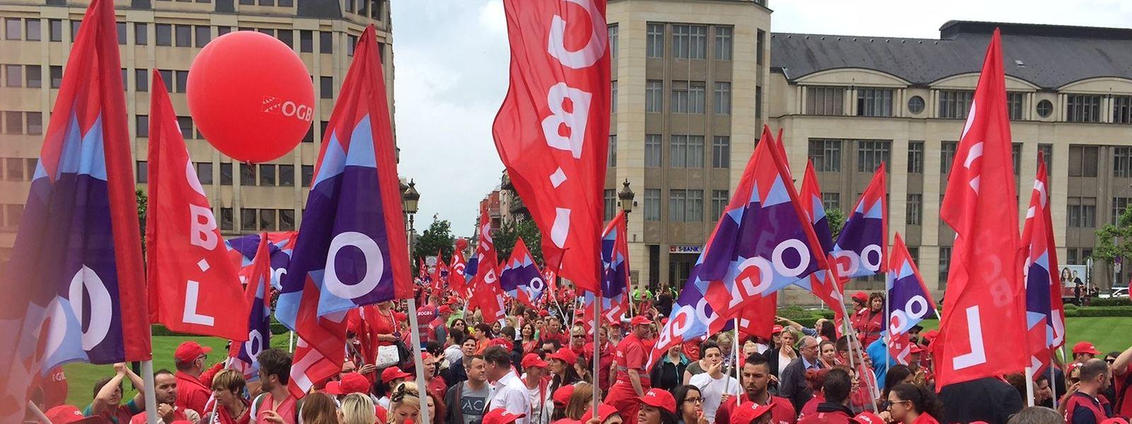 Die Gewerkschaften schätzten die Teilnahme auf 9.000 Menschen. Die Polizei sprach von rund 6.500 Personen.