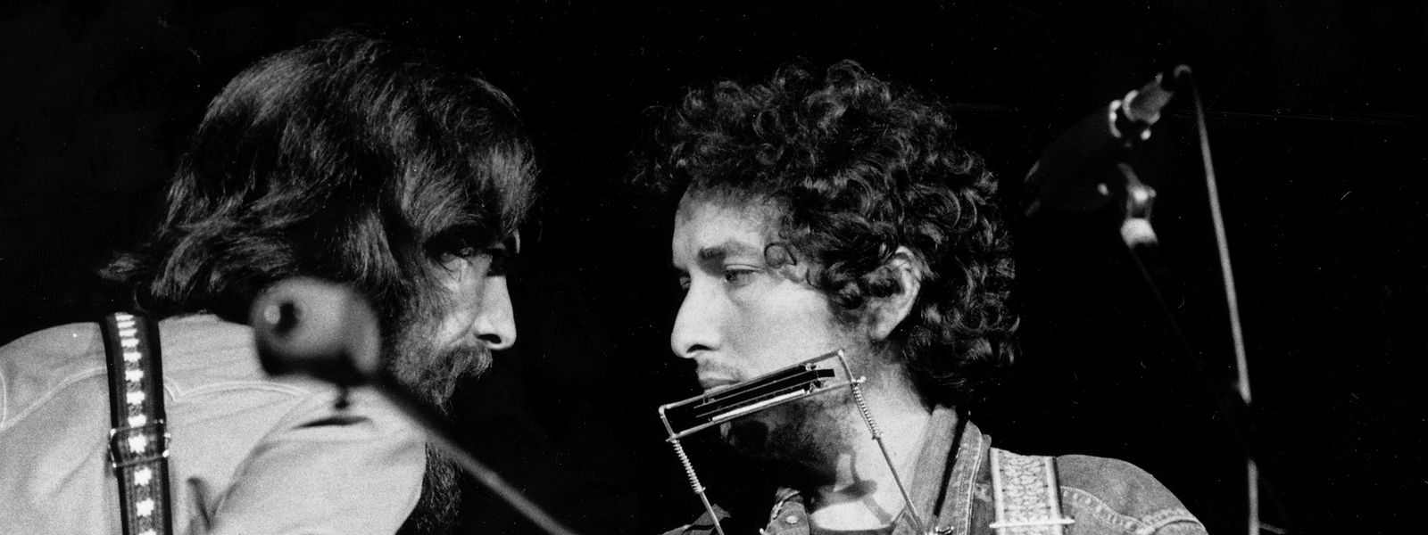 1. August 1971: George Harrison (links) zusammen mit US-Musiker Bob Dylan im New Yorker Madison Square Garden.