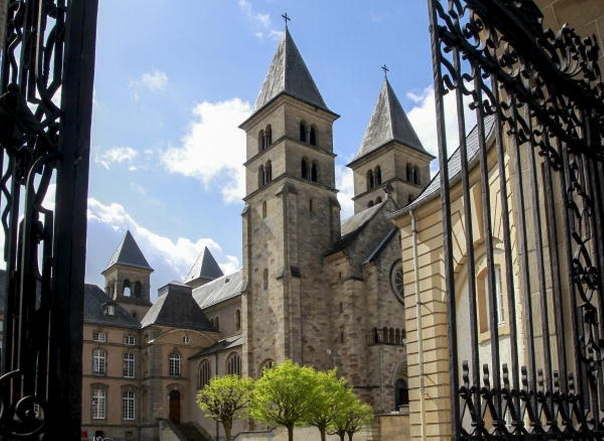 Die Unterhaltskosten für die Basilika in Echternach werden in Zukunft zur Hälfte vom Staat übernommen. Die Gemeinde Echternach und der neue Kirchenfonds beteiligen sich jeweils zu 25 Prozent an den Unterhaltskosten.