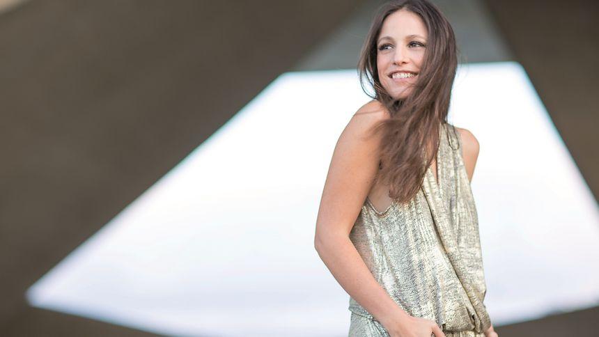 Carminho encerra o Festival Atlântico com fado, uma das tradições musicais lusófonas mais fortes.