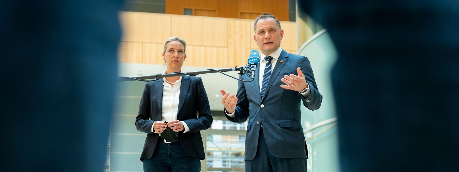 Alice Weidel, Fraktionsvorsitzende der AfD im Bundestag, und Tino Chrupalla, AfD-Bundesvorsitzender, stellen sich den Medienvertretern als Spitzenkandidatenduo für die Bundestagswahl vor.