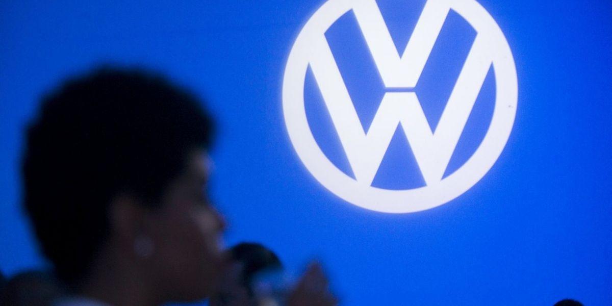 Volkswagen, récemment couronné numéro un mondial des ventes devant Toyota, s'expose à des amendes pouvant atteindre 18 milliards de dollars