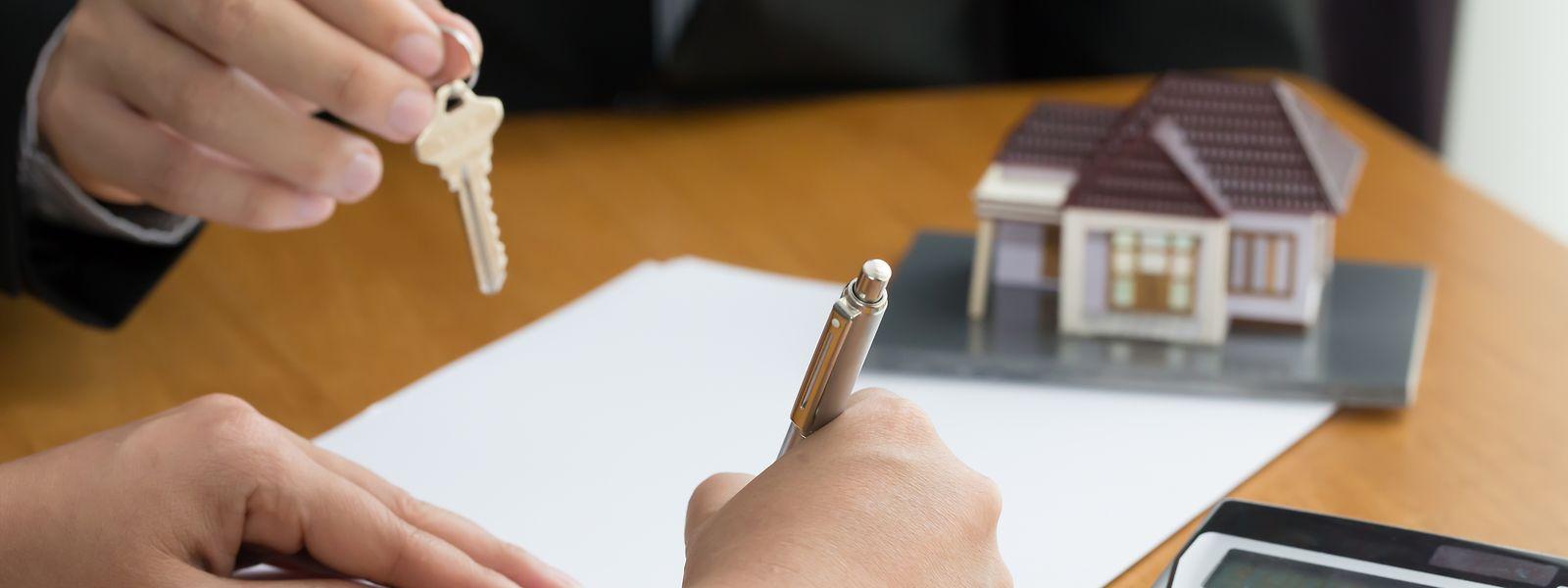 Le prêt à la banque reste le moyen le plus courant de financier son achat immobilier au Luxembourg.