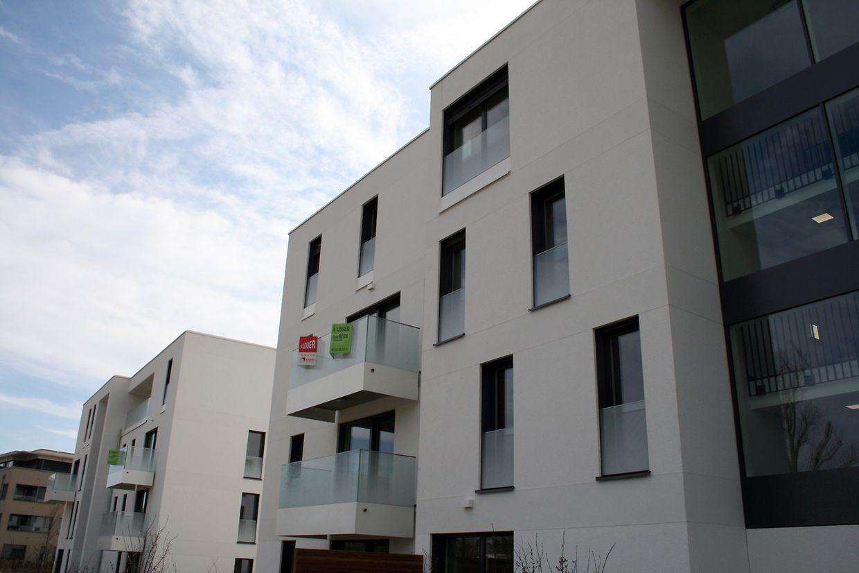 L'appartement se situe au deuxième étage d'une nouvelle résidence au 59, rue des Prunelles à Cessange