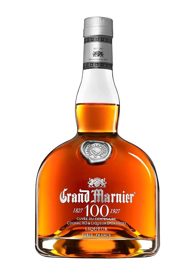"""Zuwachs für die Hausbar: Im """"Cuvée du Centenaire"""" von Grand Marnier trifft Cognac auf Bitterorangenlikör – mit zarten Aromen von Tabak und Balsamico, um 42 Euro."""