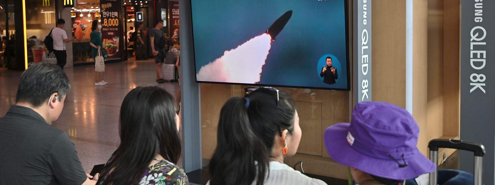 Der mutmaßliche Raketentest der Nordkoreaner wurde in Südkorea im Fernsehen übertragen.