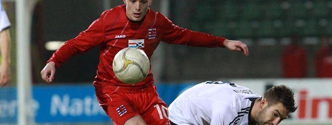 Nationalspieler Ben Payal wird künftig das Fola-Trikot überstreifen.