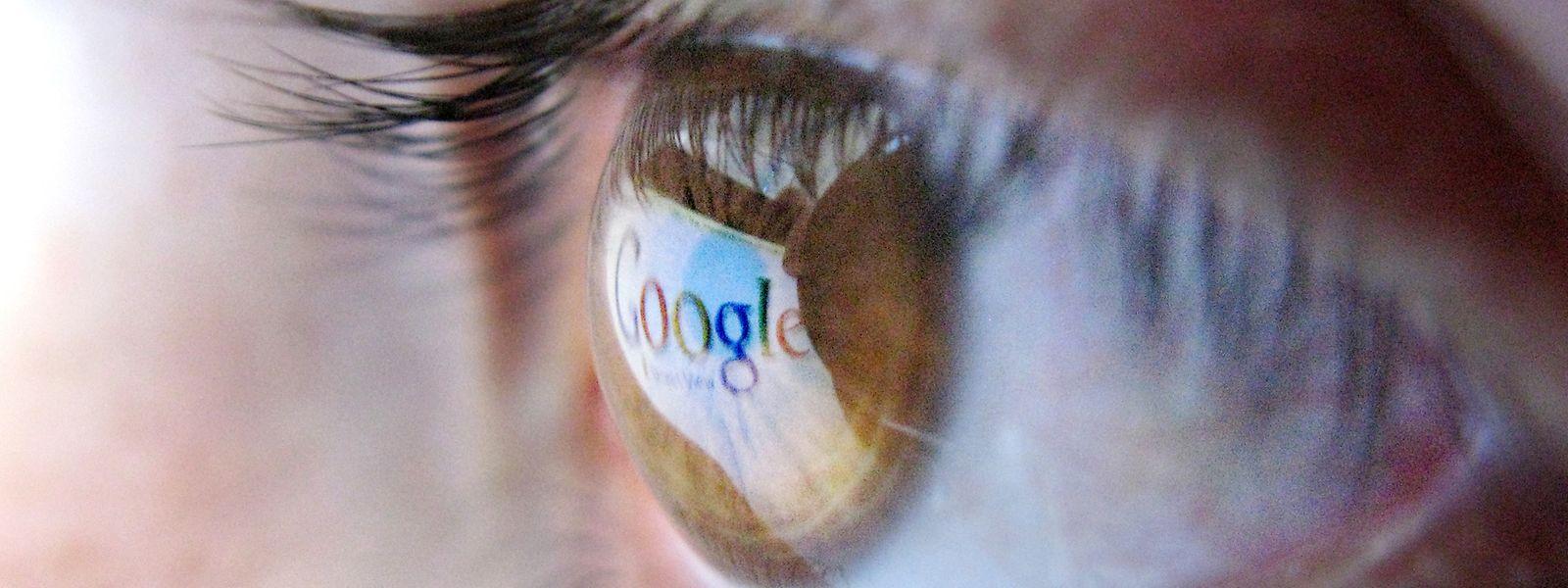 Wachsam bleiben: Es lohnt sich, mit der Hilfe von Suchmaschinen den eigenen Namen im Netz im Auge zu behalten.