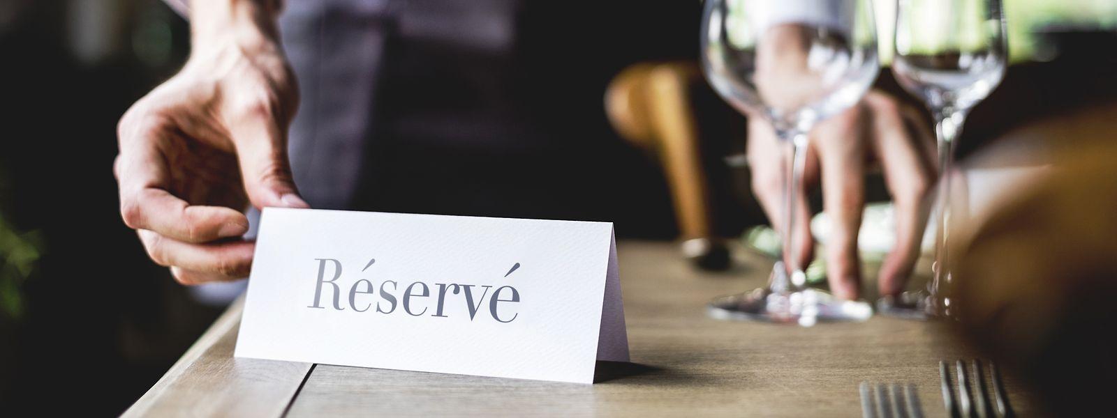 Tische bleiben leer: Das Nichtkommen von Gästen ist für Restaurants mit hohen finanziellen Schäden verbunden.