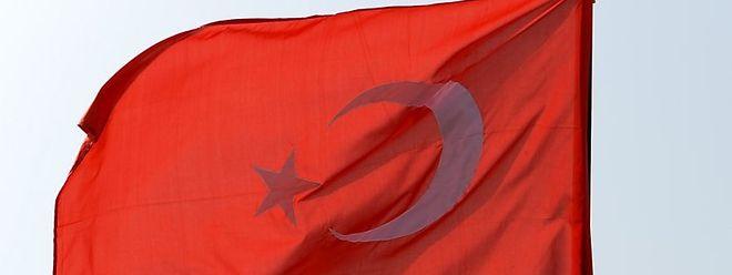 Die Türkei geht weiter hart gegen vermeintliche Gülen-Anhänger vor.