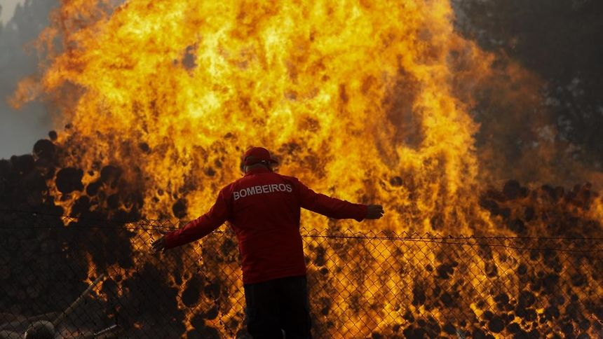 Sobe para 44 o número de mortos nos incêndios em Portugal