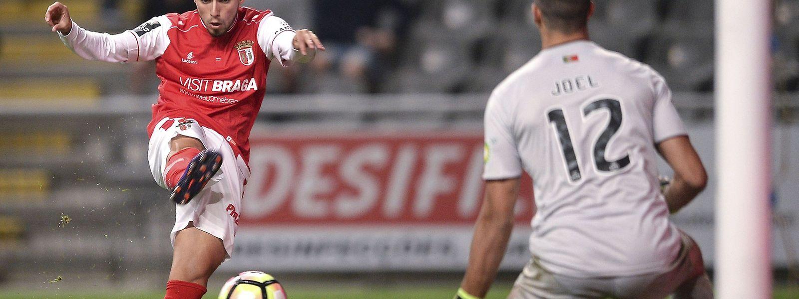 Ricardo Horta (de vermelho) marcou os dois do Sporting de Braga dos golos contra o Belenenses