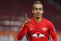 Leipzig's Danish forward Yussuf Poulsen celebrates after scoring their second goal during the German first division Bundesliga football match between FC Augsburg et RB Leipzig in Augsburg, Germany, on October 17, 2020. (Photo by ANDREAS GEBERT / POOL / AFP) / DFL REGULATIONS PROHIBIT ANY USE OF PHOTOGRAPHS AS IMAGE SEQUENCES AND/OR QUASI-VIDEO