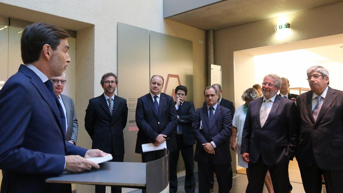 O embaixador Carlos Pereira Marques, discursando na foto, contou ao CONTACTO a história de uma rosa do Luxemburgo com 125 anos
