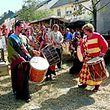 Rittersleut und ihr Gefolge bevölkerten am Wochenende die Ortschaft am Fuße des Gehaansbierg .