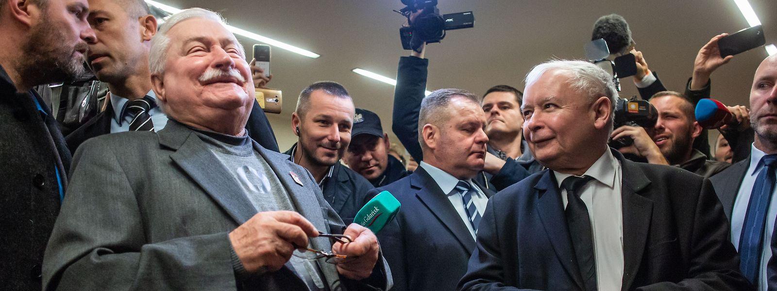 Der Schein trügt: Walesa (l.) und Kaczynski sind sich nicht immer gut gesonnen.