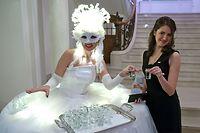 Russian Charity Ball 2020 im Cercle Municipal. Ein jeder Gast wurde mit einem Glas Wodka begüßt.  (Foto: Alain Piron)