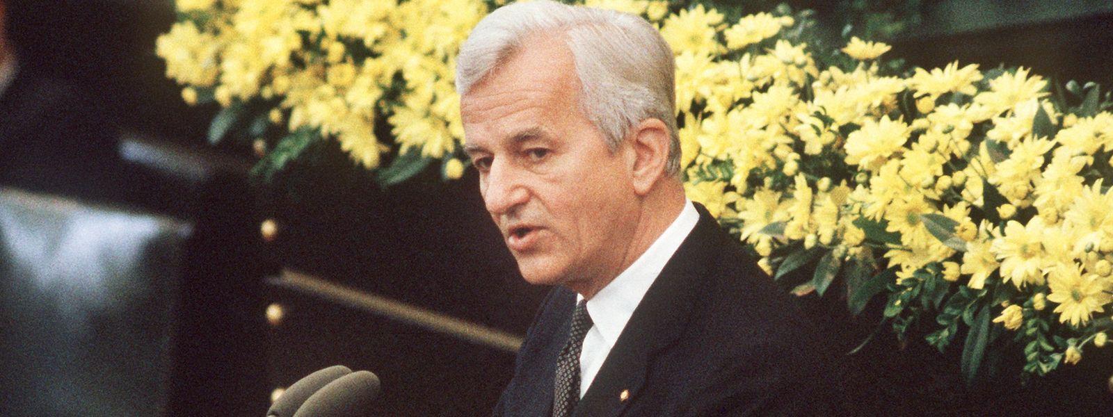 8. Mai 1985: Bundespräsident Richard von Weizsäcker hält seine vielbeachtete Rede im Bundestag während der Feierstunde zum Ende des 2. Weltkrieges vor 40 Jahren.