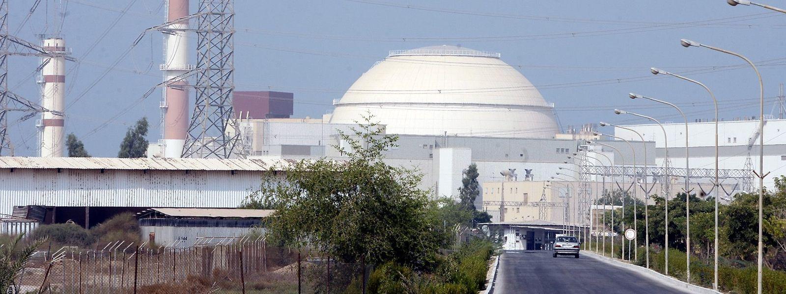 Das iranische Atomkraftwerk Buschehr. Zum Jahrestag des US-Ausstiegs aus dem internationalen Atomabkommen mit dem Iran hat der iranische Präsident Ruhani einen Teilausstieg seines Landes aus dem Deal bekannt gegeben.