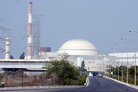 ARCHIV - 20.08.2010, Iran, Buschehr: Das iranische Atomkraftwerk Buschehr. Zum Jahrestag des US-Ausstiegs aus dem internationalen Atomabkommen mit dem Iran hat der iranische Präsident Ruhani einen Teilausstieg seines Landes aus dem Deal bekanntgegeben. Foto: ABEDIN TAHERKENAREH/epa/dpa +++ dpa-Bildfunk +++