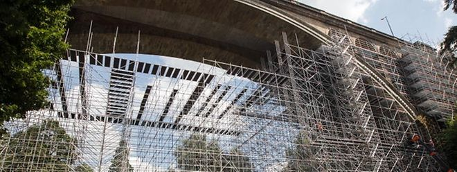 Die Renovierung am Pont Adolphe wird wesentlich günstiger als gedacht.