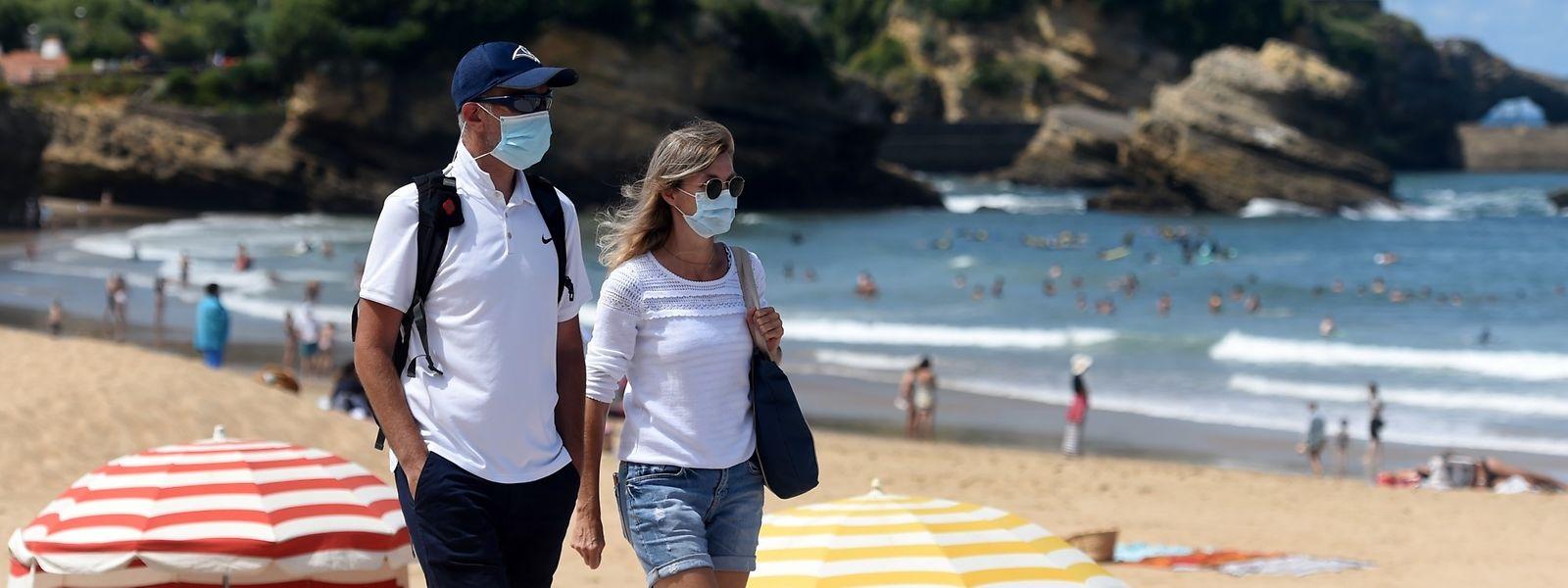 Alors que seules 8,2% des infections étaient attribuées aux voyages fin juin, leur part a triplé aujourd'hui. Mais cela ne veut pas dire que les touristes sont plus porteurs du virus.