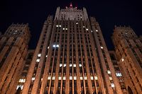 TOPSHOT - A view of the Russian Foreign Ministry headquarters in Moscow on March 29, 2018. Russian Foreign Minister Sergei Lavrov said on March 29, 2018 Moscow would expel 60 US diplomats and close its consulate in Saint Petersburg in a tit-for-tat expulsion over the poisoning of ex-double agent Sergei Skripal. / AFP PHOTO / Yuri KADOBNOV