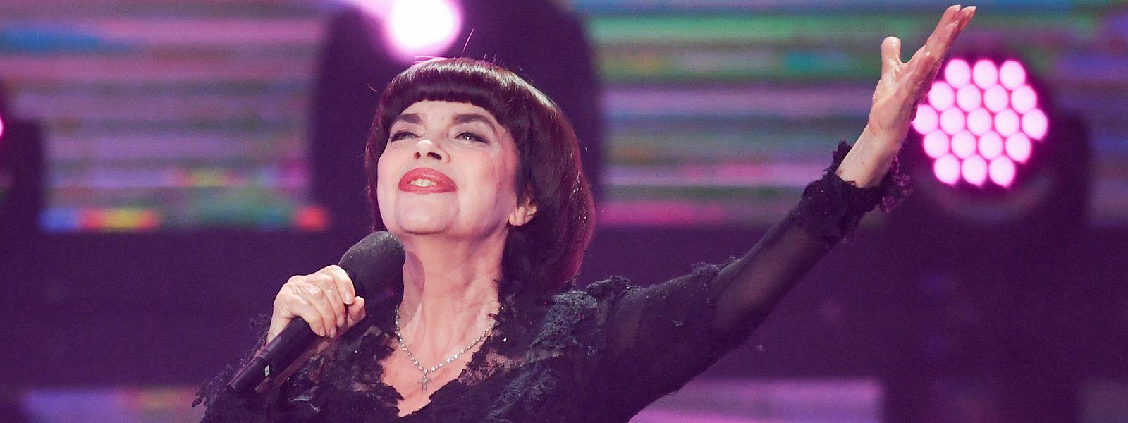 """Im Nachbarland wird Mireille Mathieu als """"Spatz von Avignon"""" verehrt."""