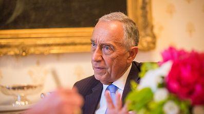 Ancien journaliste, le président portugais est à la fois un acteur et un observateur de la scène politique.