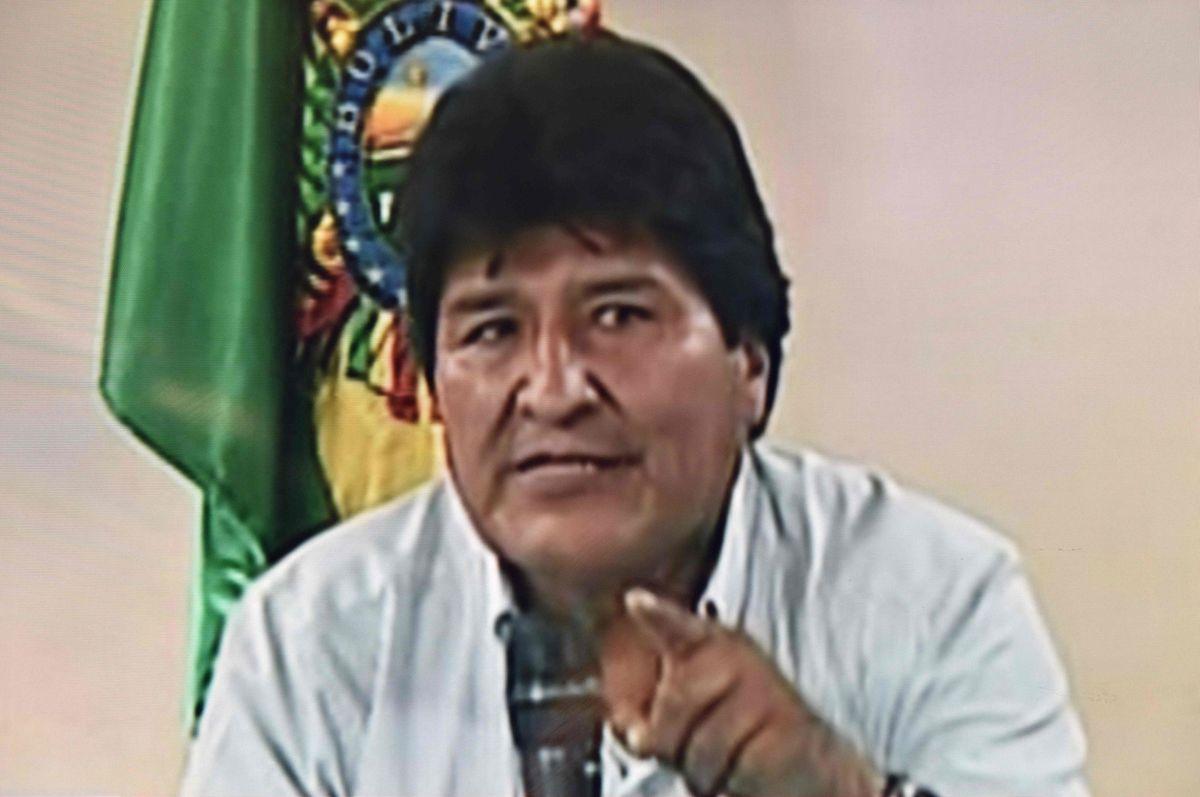 Morales gab seinen Rücktritt im Fernsehen bekannt.
