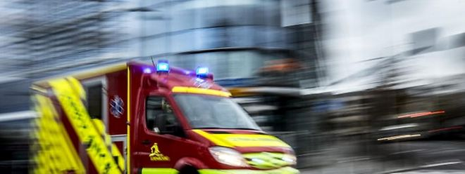 Rettungswagen werden entweder zum CHL oder dem Hôpital Kirchberg geleitet.