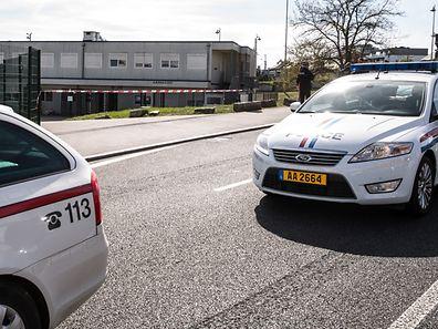 Die Polizei hat das Umfeld der Betreuungsstruktur für Drogenkonsumenten hermetisch abgeriegelt.