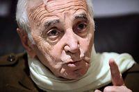 Aznavour steht ein, für das was er singt.