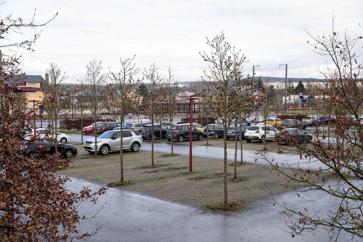 Anstelle des Parkplatzes aufseiten von Sassenheim ist ein Parkhaus geplant.