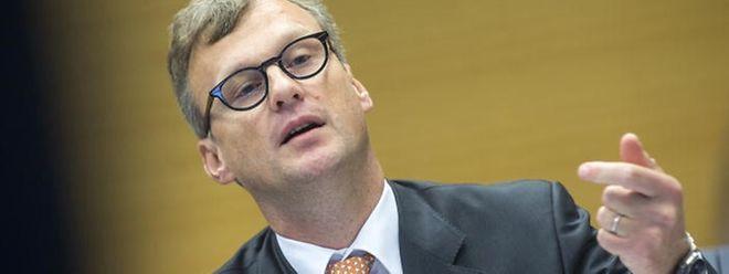 Marc Hostert est chef de cabinet de Henri Grethen à la Cour des comptes des Communautés européennes.