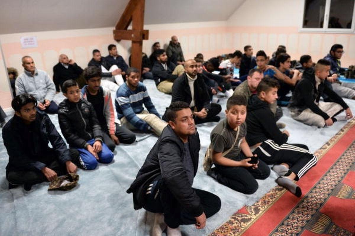 Ismael Mostefai, o francês filho de uma emigrante portuguesa, que se suicidou com explosivos no Bataclan, frequentava a mesquita de Luce, perto de Chartres, em França, aqui na foto